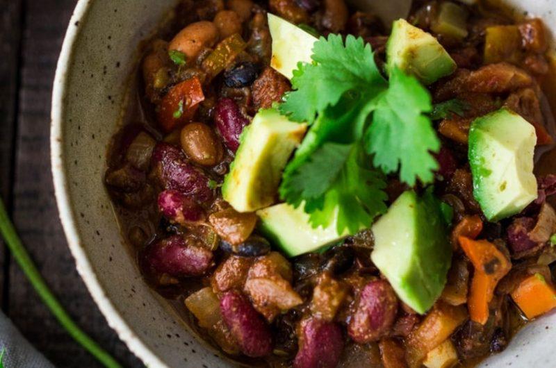 vegan chili black beans with veggies
